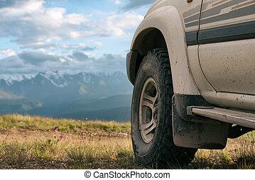 ruota, concetto, automobile, offroad, close-up., montagne.