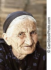 ruse, personne agee, regard, femme