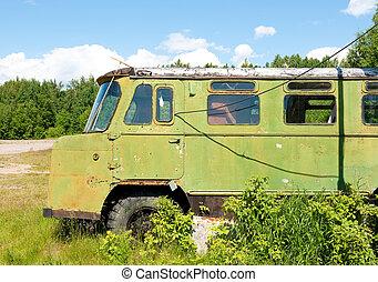 ruso, camión viejo, olvidado