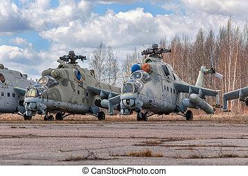 russe, hélicoptère, attaque, abandonnés