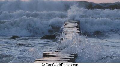 russia., безумно красивая, волнолом, песок, укрепление, logs...