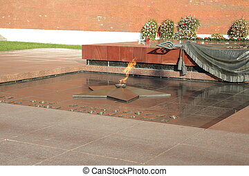 russian Kremlin eternal flame post at day