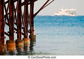 rusty ship mooring - look at the rusty pier overlooking the ...