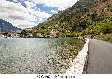 ruta, en, costa, en, kotor, bahía, -, montenegro