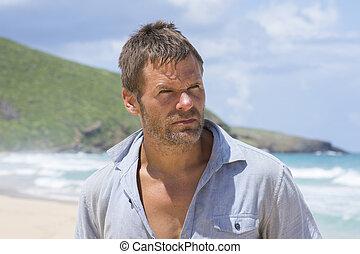 ruw, castaway, man, op, verlatenen eiland