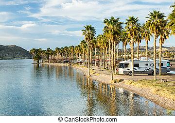 rv, kamperen, op, de, zuidelijk, colorado rivier