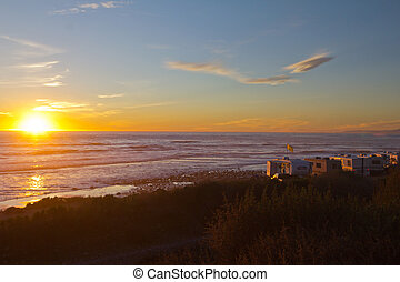 rv, kempingező, a parton, -ban, napnyugta