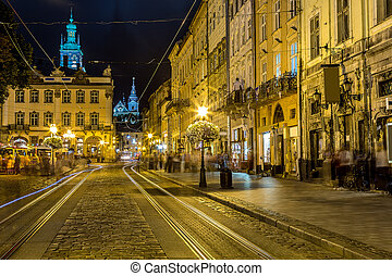 Rynok Square in Lviv at night - Market square - historical ...