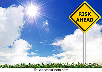 ryzyko, na przodzie, na, żółta droga, ostrzeżenie znaczą