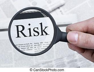 ryzyko, pod, szkło powiększające