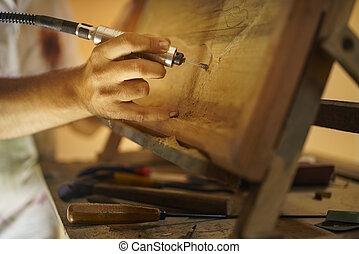 rzeźbiarz, malarz, artysta, dłutując, niejaki, drewniany, bas, relief-2