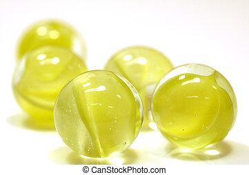 sárga, üveggolyó