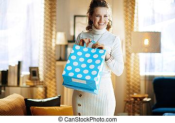 säcke, nach, shoppen, hausfrau, blaues, zurückgegeben, ...