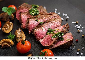 sällsyntt medel, vegetables., nötkött, saftig, biff, grillat...