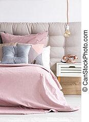 säng, med, mjuk, rosa, coverlet
