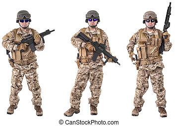 sätta, av, militär, tjäna som soldat, in, kamouflage, kläder, isolerat, vita, bakgrund., klar, för, action.