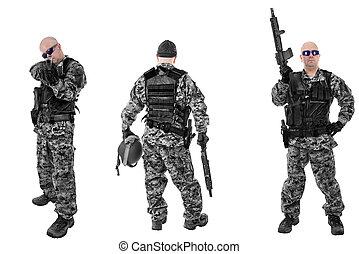 sätta, av, militär, tjäna som soldat, in, svart, kamouflage, isolerat, vita, backgroud., klar, för, action.