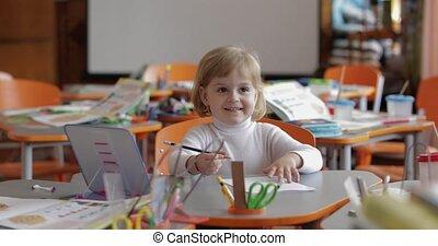 séance, bureau, education., enfant, table, girl, dessin, classroom.