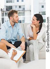 séance, couple, malheureux, conversation, thérapie