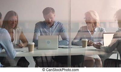 séance, employés, patron, participer, briefing, divers, écoute, salle réunion