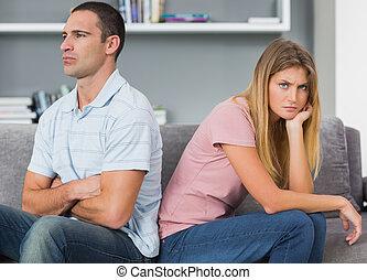 séance femme, couple, après, dos, baston, divan