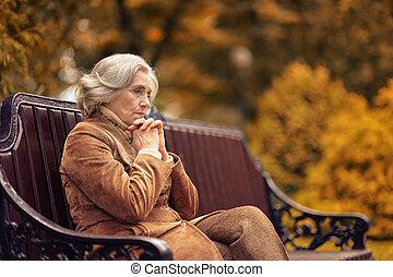 séance femme, parc, personnes agées, triste, automne, banc