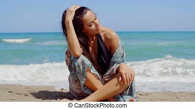 séance femme, sable, séduisant, sourire, plage