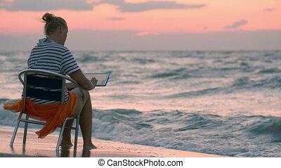 séance femme, tampon, mer, rugueux, chaise