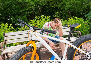 séance, jeune, triste, vélo, banc, expression, homme
