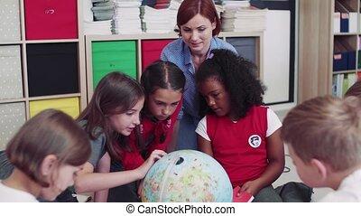 séance, petit, learning., plancher, groupe, classe école, gosses, prof