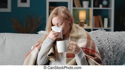 séance, quoique, boire, divan, personne, malade, thé, éternuer