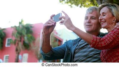 séance, selfie, banc, prendre, couple, heureux