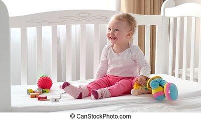 séance, toys., lit, enfant, blanc, rire