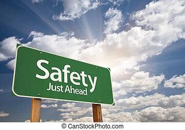 sécurité, juste, devant, vert, panneaux signalisations
