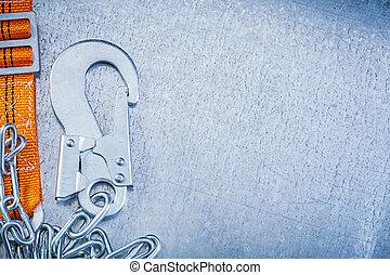 sécurité, matériel construction, sur, gratté, métallique, fond, h