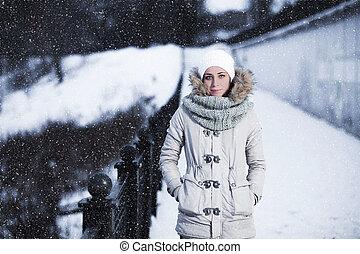 séduisant, hiver, extérieur, jeune femme