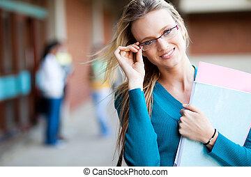 séduisant, jeune, femme, étudiant université