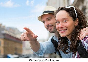 séduisant, ville, couple, jeune, fetes