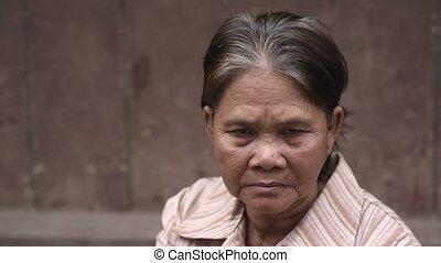 sérieux, femme, vieux, asiatique, portrait