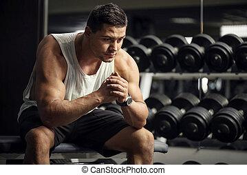 sério, ginásio, pensativo, desportista, sentando