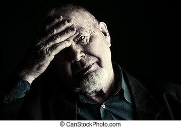 sério, homem idoso