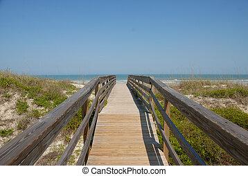 sétány, fordíts, a, tengerpart