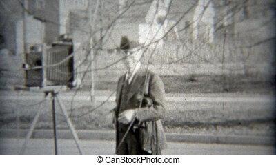 s'établir, photographe, 1936: