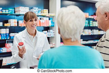 sênior, aconselhar, dela, químico, par, farmácia, droga