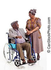 sênior, africano, esposa, conversa, limitou, marido