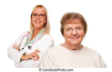 sênior, atrás de, mulher sorri, doutor