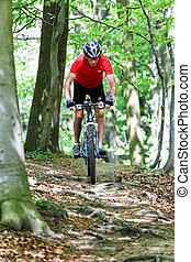 sênior, com, bicicleta montanha, bicicleta