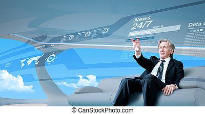sênior, homem negócios, navegar, notícia, interface, em, futuro