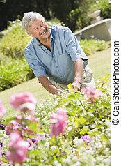 sênior, jardim, trabalhando, homem