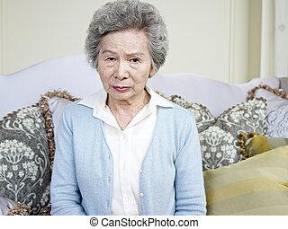 sênior, mulher asian